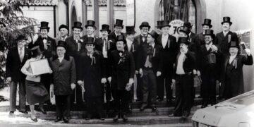 Einst wie Heute waren sie unterwegs, die Schwarzbefrackten, die so willkommen sind in den Rottweiler Bürgerhäusern. Foto: Narrenzunft