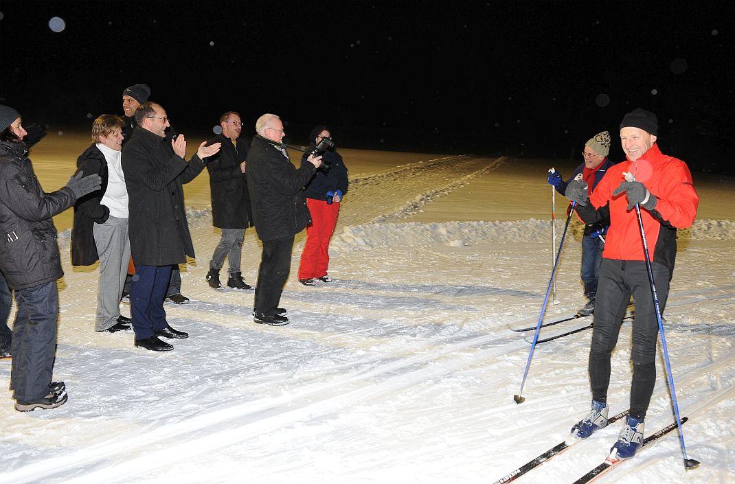 Sportlich fair: Robert Hermann (rechts) kommt mit seinem Stadtratskollegen gemeinsam ins Ziel. Foto: privat