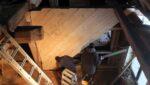 Zimmererarbeiten am mehr als 300 Jahre alten Paradieshof. Foto: pm