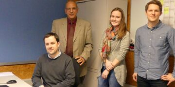Das Integrationsteam (von links)  Pietro Fisicaro, Said Moussa und Sara Haag mit dem JUKS³ Leiter Marcel Dreyer (von links). Foto: him