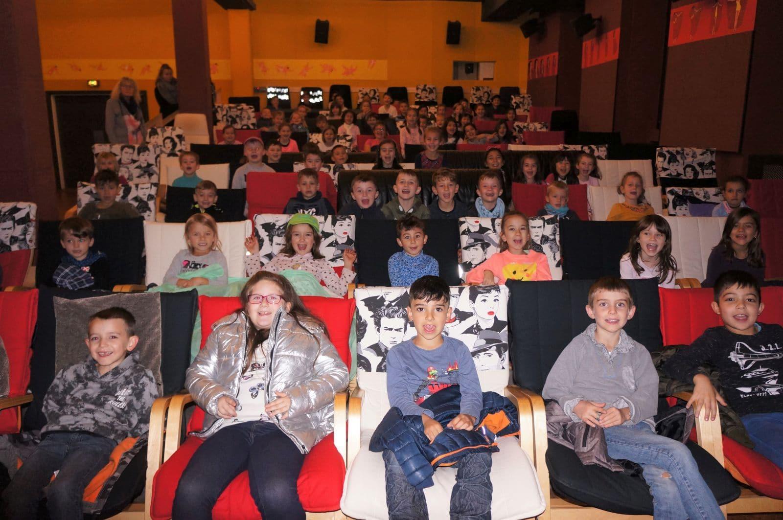 Kino macht Spaß. Grundschul-Kinder im Subiaco Foto: pm