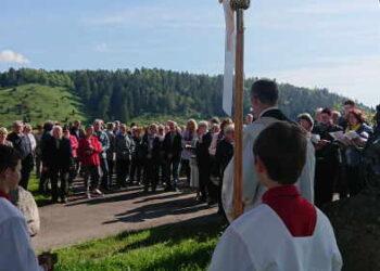 Gemeinsame Feier von Christi Himmelfahrt mit Öschprozession in Göllsdorf. Foto: Ulrike Lewinski-Papenberg