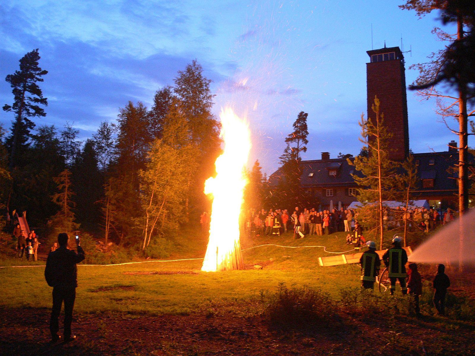 Sonnwendfeuer auf dem Fohrenbühl. Foto: pm