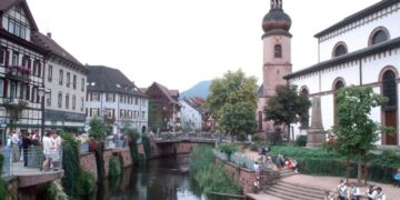 Die Gespräche im Turm fanden ursprünglich im Turm der St. Maria-Kirche in Schramberg statt (Foto). Coronabedingt finden die Gespräche nun im Marienheim statt. Foto: pm