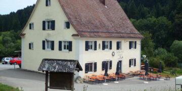 Der Eckhof hat wie alle anderen Gaststätten wegen Corona derzeit geschlossen, Wirt Armin Dahler muss aber weiter Pacht an die Stadt Rottweil zahlen. Foto: Moni Marcel