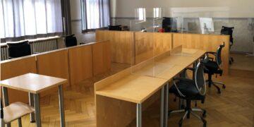 Amtsgericht Oberndorf mit Corona-Schutzscheiben,. Foto: Amtsgericht