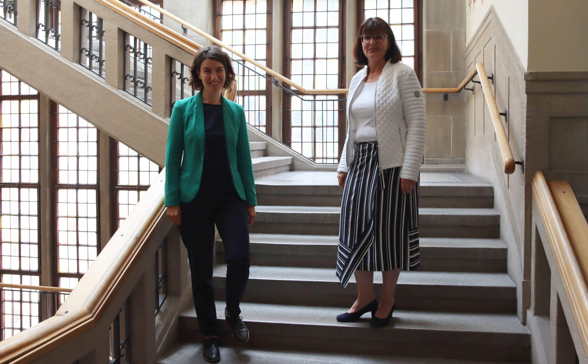 Oberbürgermeisterin Dorothee Eisenlohr (von links) und Agenturchefin Sylvia Scholz. Foto: pm