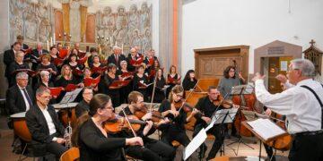 Da war die Welt noch in Ordnung: Chor und Orchester bei letzten Proben vor dem Pelagiusfest am 1. September 2019. Archivfoto: al