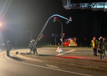 Diesen Ampelmasten ließ die Polizei von der Feuerwehr Zimmern abmontieren. Foto: Christian Klemm