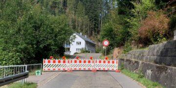 Nun doch erst ab 22. März wieder komplett gesperrt: Durchfahrt von Lauterbach nach Sulzbach. Foto: Gemeinde Lauterbach