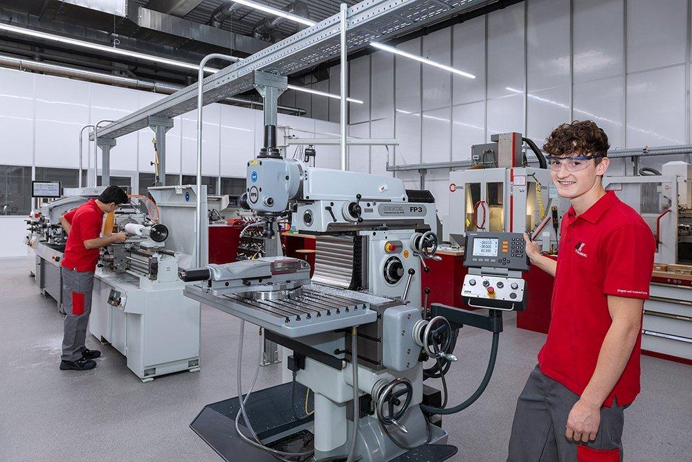 Hier macht Ausbildung Spaß: in der neuen und modernen Ausbildungswerkstatt bei MS-Schramberg . Foto: pm