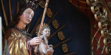 """Die """"Madonna von der Augenwende"""" im Heilig-Kreuz-Münster. Foto: al"""