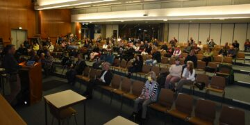 Bei der 5 G-Veranstaltung in der Aula des Schramberger Gymnasums. Fotos: privat