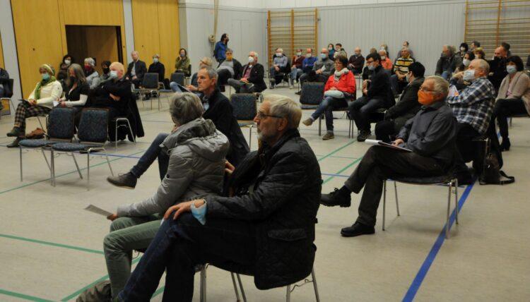 Zuhörer beim Vortrag von Professor Thiede in Schiltach. Fotos: privat