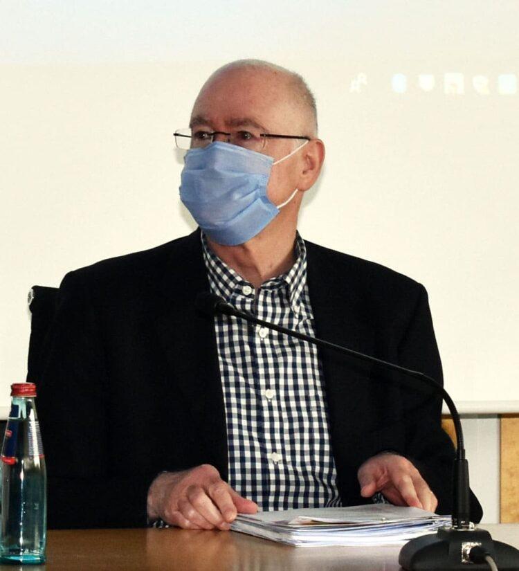 """Die Regeln fürs Maskentragen (hier Landrat Michel) werden verschärft, wenn der Kreis zum """"Hotspot"""" wird. Archiv-Foto: wede"""