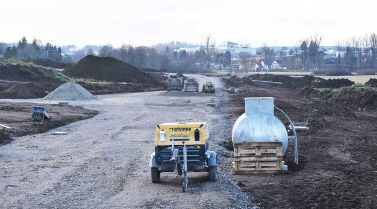 Die Erschließungsarbeiten am Brunnenäcker sind im Gange - hier entsteht die Weißdornstraße. Foto: wede