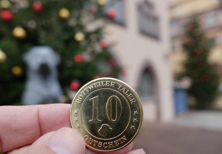 Rottweiler Taler statt Weihnachtsfeiern: Die Stadtverwaltung unterstützt den Einzelhandel mit Gutscheinen für die Mitarbeiterschaft. Foto: Stadt Rottweil