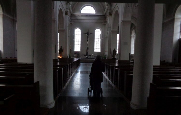 Sehr traurig: An Weihnachten bleiben die Kirchen leer. Archiv-Foto: him