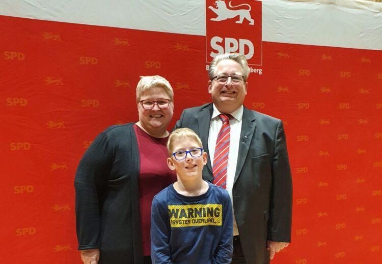 Freuen sich über Nominierung: Tanja ud Mirko Witkowski und Sohn Jan. Foto: pm