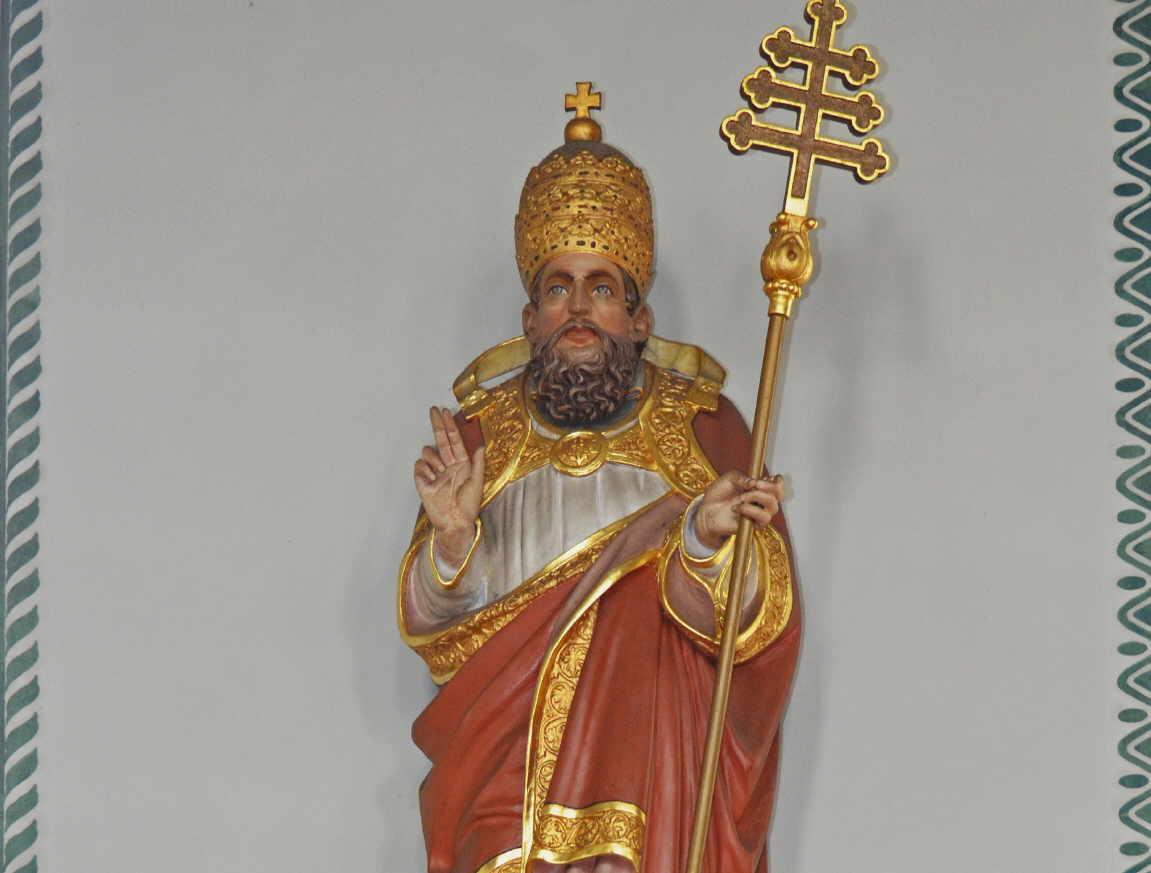 Der heilige Silvester – Kirchenpatron der katholischen Kirchengemeinde in Böhringen.        Foto: R. Ober