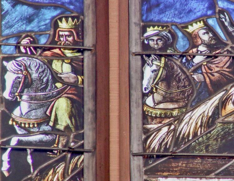 Heilige Drei Könige zu Pferd. Detail aus einem Chorfenster im Rottweiler Münster. Foto: Hildebrand