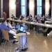 Die Gemeinderätinnen und Räte im Bärensaal während Oberbürgermeisterin Dorothee Eisenlohr (links).  spricht. Archivfoto: him