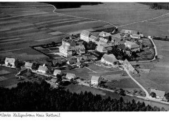 Das Kloster Heiligenbronn in den frühn 30er Jahren des vergangenen Jahrhunderts. Foto: Archiv der Stiftung St. Franziskus