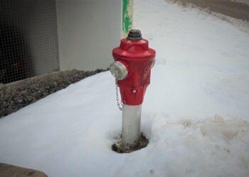 Ein Feuerwehrhydrant  beim Parkdeck an der Berneckstraße....