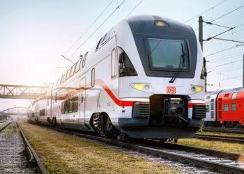 Der Kiss-Zug im Einsatz auf der IC-Linie Rostock-Berlin-Dresden im Berliner Hauptbahnhof: Foto: Deutsche Bahn