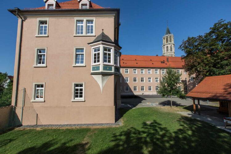 In den historischen Mauern des bischöflichen Konvikts erhält der Stadtschreiber Kost und Logis. Foto: Konvikt Rottwei