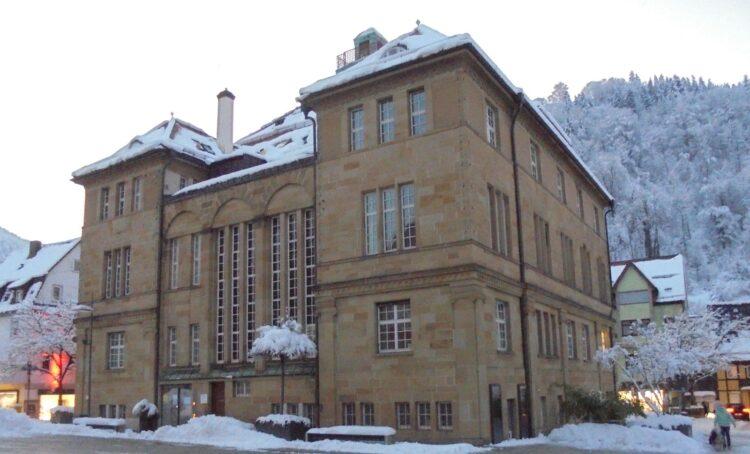 Das Schramberger Rathaus bleibt für den Publikumsverkehr weitgehend geschlossen. Foto: him