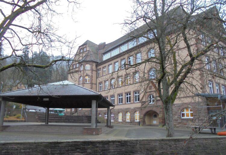 Auch die Erhard-Junghans-Schule bleibt im Lock Down. Archiv-Foto: him