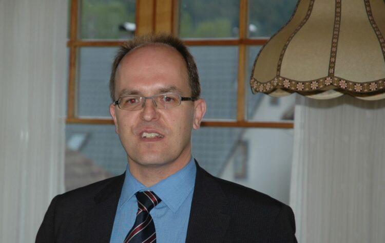 Michael Schrenk bei einem Wahlkampfauftritt im Juni 2011 in Tennenbronn. Archiv-Foto: him