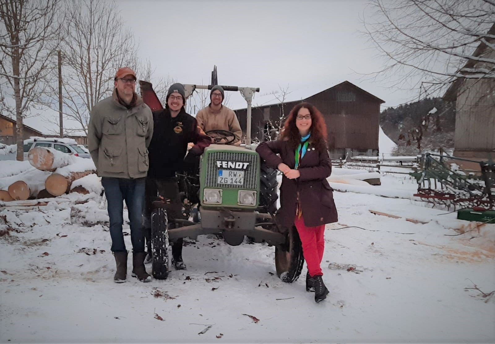 Sonja Rajsp, Landtagskandidatin der Grünen, besuchte kürzlich die Familie Dürr auf ihrem Biolandhof in Dunningen. Foto: pm
