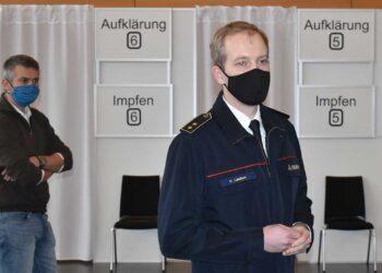 Kreisbrandmeister Nicos Laetsch im Kreisimpfzentrum. Archiv-Foto: wede
