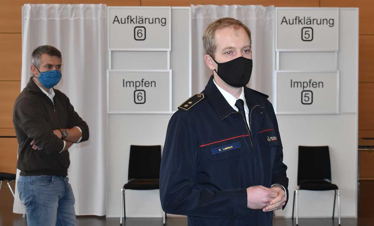 Kreisbrandmeister und KIZ-Leiter Nicos Laetsch im Kreisimpfzentrum. Archiv-Foto: wede