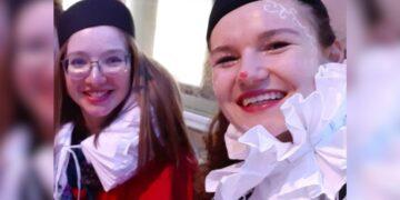 Marie Julie Dürr (links)  und Rebecca Bauer. Foto: privat