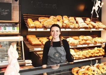 """Antje Schleicher hat ihr """"Schnitte`s Café"""" eröffnet.  Foto: nrwz"""