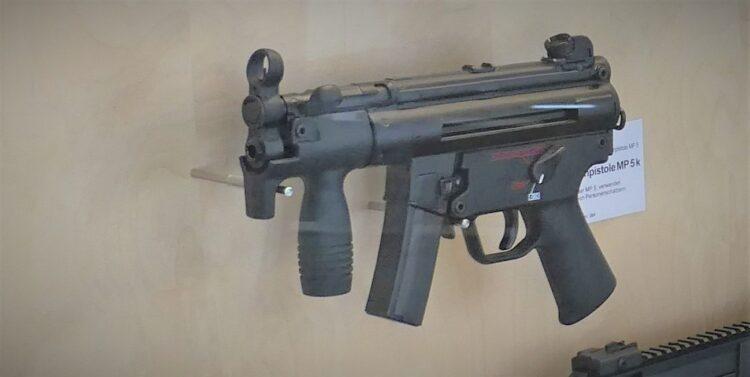 Eine HK MP5K im  Oberndorfer Waffenmuseum. Archiv-Foto: him