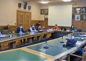 Vertreter aus den Gemeinderäten von Dunningen und Schramberg bilden die Verbandsversammlung. Sie tagten am Dienstag im Schramberger Rathaus. Foto: him