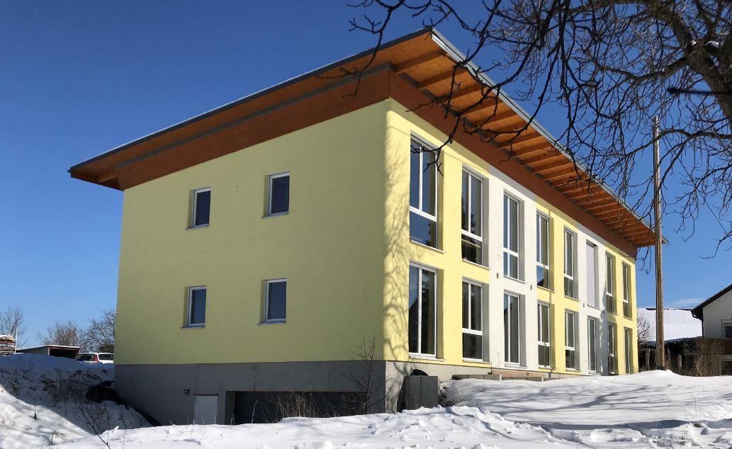 Vierfamilienlehmhaus in Kreenheinstetten Foto: Otto Merz