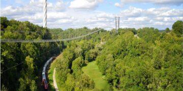 Die Rottweiler Fußgänger-Hängebrücke nach aktueller Planung. Grafik: Eberhard Bewehrungsbau