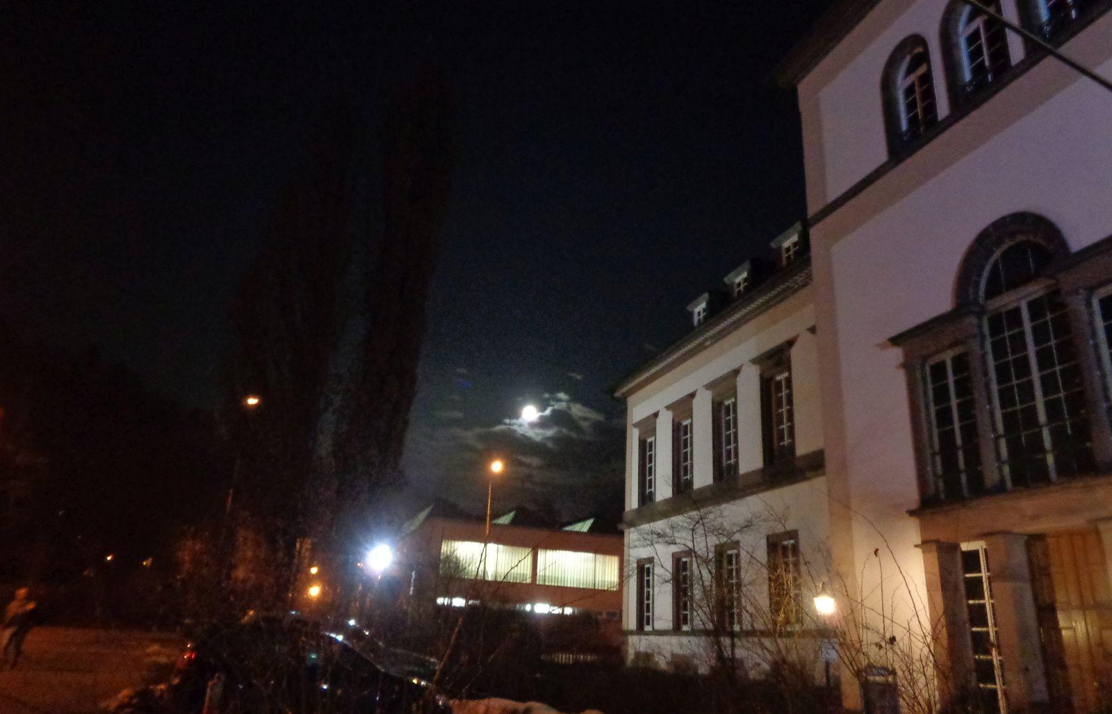 Am Samstagabend wird nur der Mond das Schloss beleuchten. Archiv-Foto: him