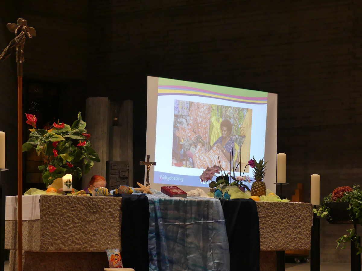 Altar zum Ökumenischen Weltgebetstag  in Rottweil. Foto:vhh