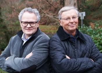 Sportjournalist Ulli Potofski (links) und Politiker Wolfgang Bosbach kommen am 22. Oktober nach Tuttlingen. Foto: pm