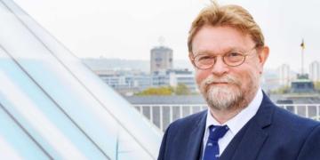 """Not amused"": Ministerialdirektor Prof. Dr. Uwe Lahl. Foto: Ministerium"