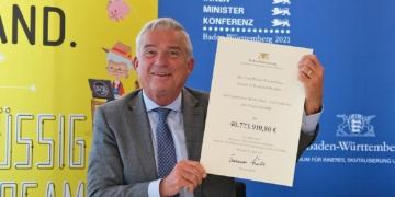 Auch Innenminister Thomas Strobl freut sich. Foto: pm