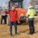 Joachim Glatthaar und Hansjörg Bihl  auf einer Erprobungsbaustelle in Waldmössingen. Fotos: privat