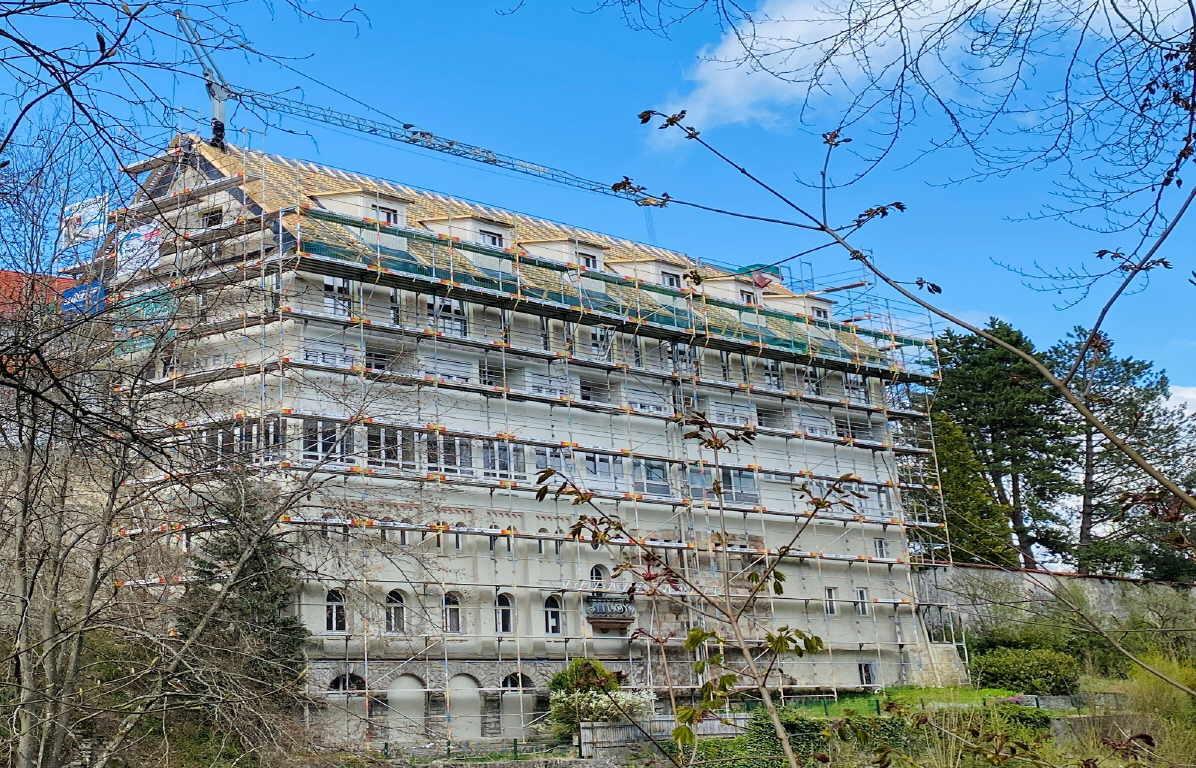 Ein Objekt, das derzeit mit Unterstützung der Stadt Rottweil saniert und erweitert wird, ist das Hotel Johanniterbad. Foto: Stadt Rottweil