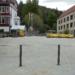 Unbemützt und für Sehbehinderte schwer zu erkennen: Poller am Rathausplatz. Foto: him